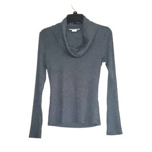 3/$25 NWOT Long Sleeved Gray Top By Sans Souci